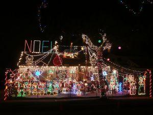 USED CHRISTMAS YARD DECORATIONS