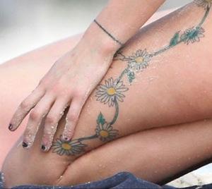 Peaches Trend Tattoo Girls