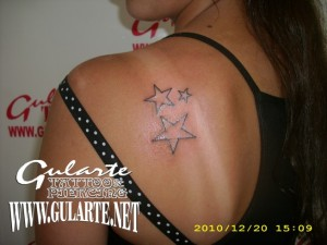 TATTOO Mariela 21 Dec 2010, 4:27 am. Tres estrellas.