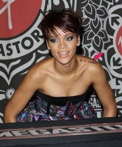 Rihanna pics